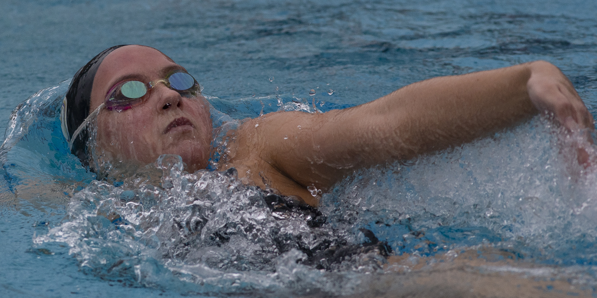 Women's Swimming & Diving takes home five wins against Redlands