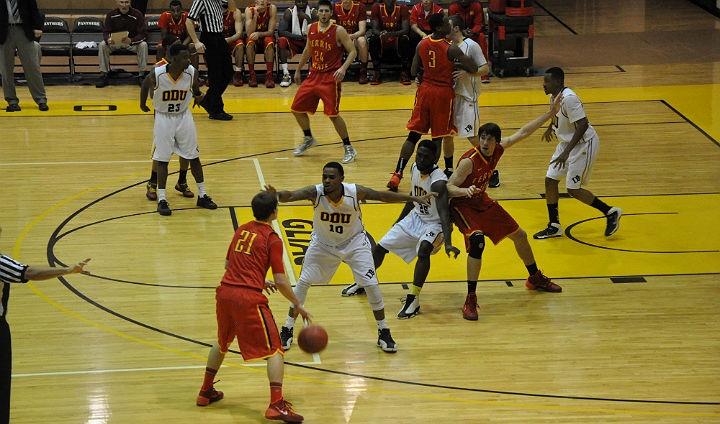 Ferris State Stays Unbeaten In GLIAC With Strong Second-Half Showing