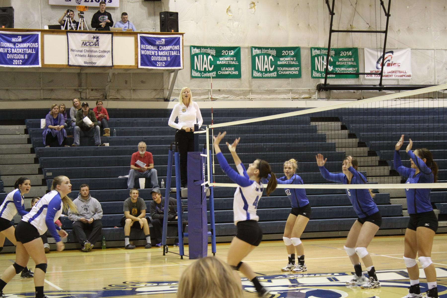 Lions Volleyball Falls at Home