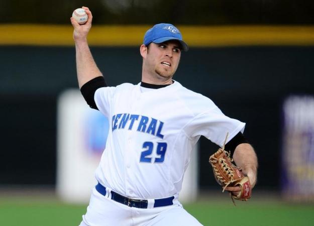 Baseball Shuts Out Stony Brook, 4-0