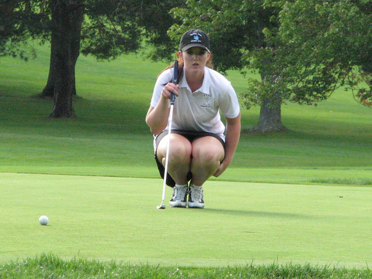 Women's Golf in Fifth Place After Round One at Hawk Invitational