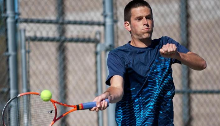 Men's Tennis Wins 8-1 Over St. Scholastica