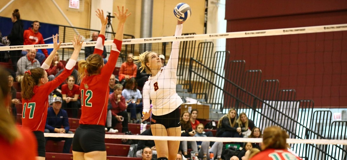 Amanda Walker had 21 kills to lead CMS to a first-round win (photo by Norman Cohen)