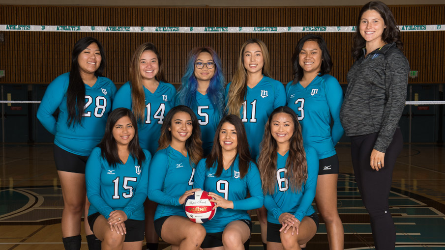 2016 Women's Volleyball team.