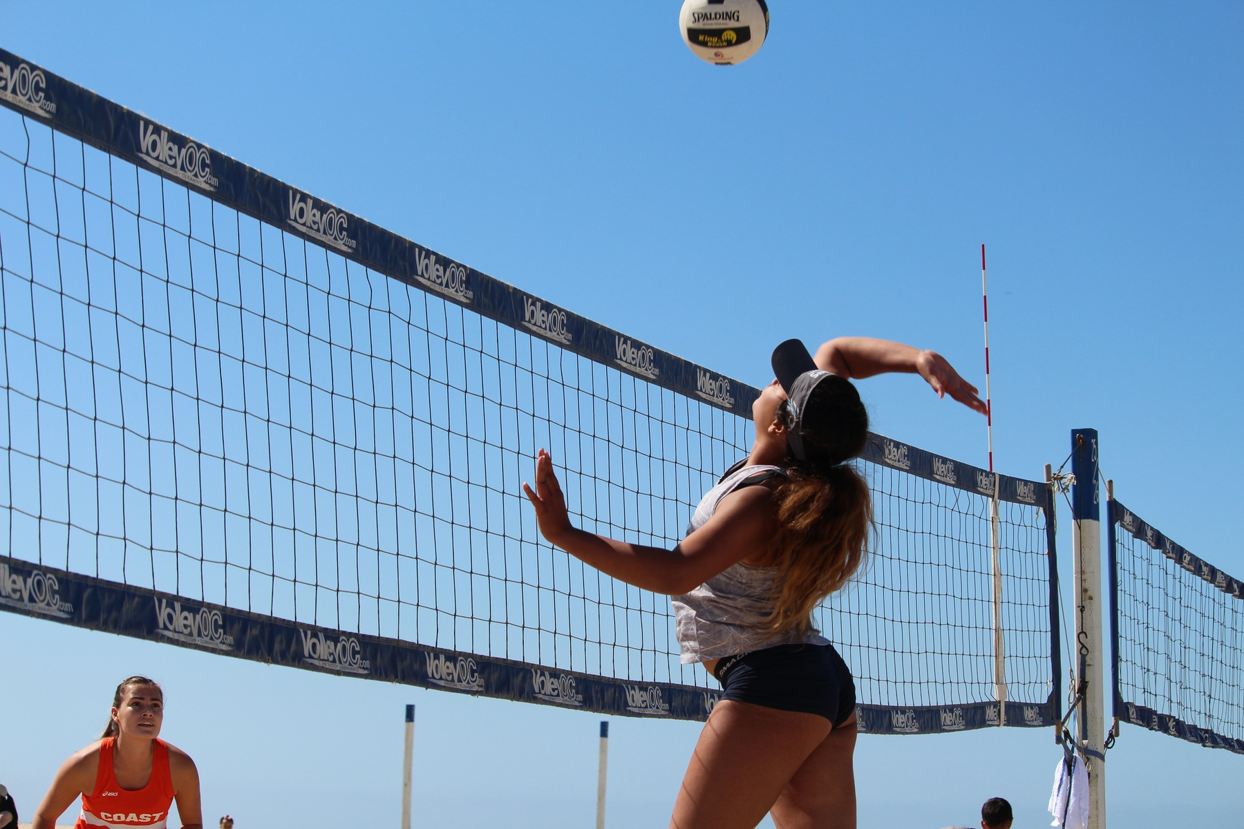 Beach Volleyball Remains Undefeated in Conference Play