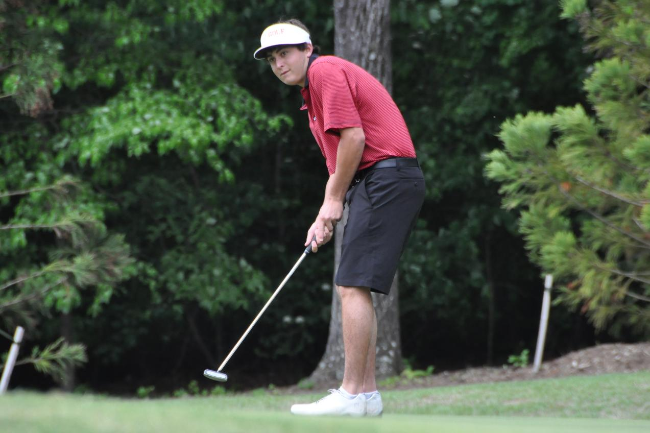 Golf: Panthers within four shots of lead after third round of NCAA tournament