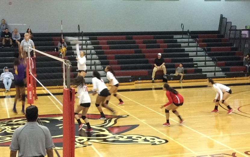 Chaffey Volleyball hosts LA Trade Tech College