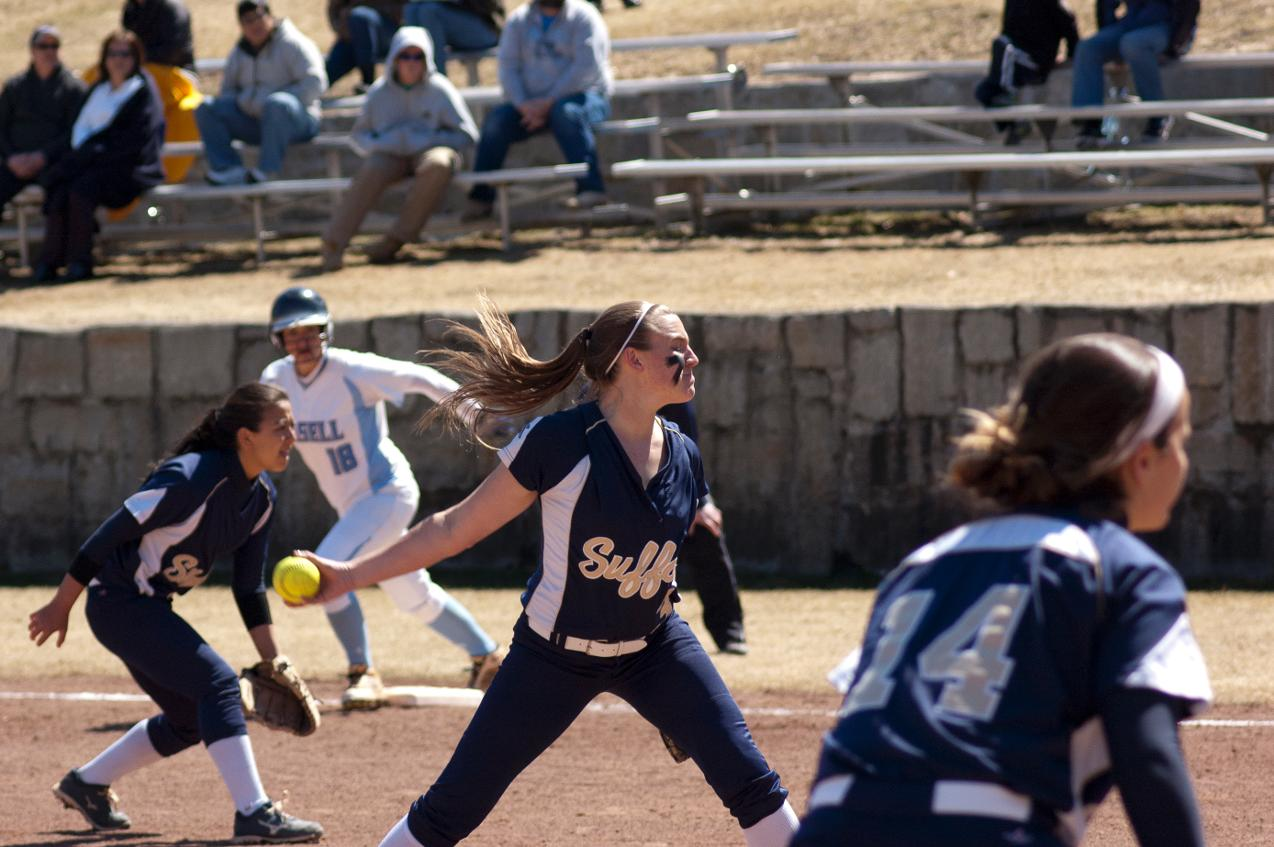 Softball Sweeps GNAC Doubleheader Over Mount Ida