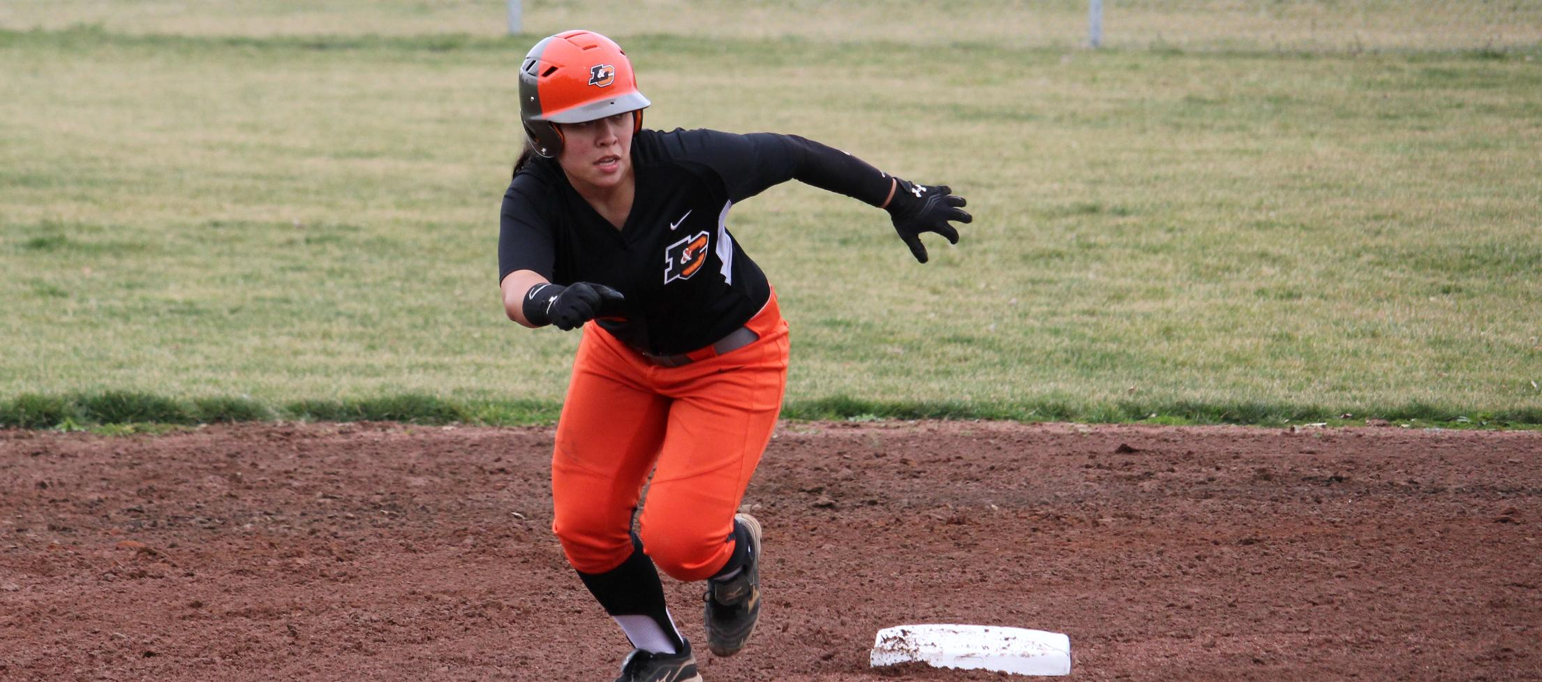 Pios put up 46 runs in doubleheader sweep