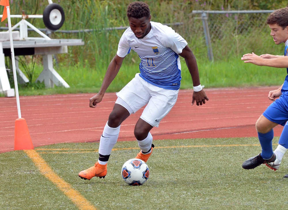 Men's Soccer Falls Short Against Bridgewater