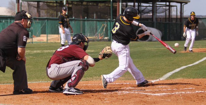 Pirates Drop Both Games to Sul Ross State