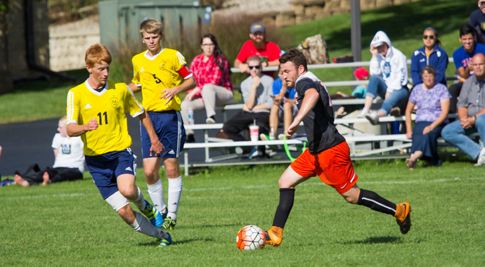 Men's soccer picks up 3-0 win at Maranatha Baptist