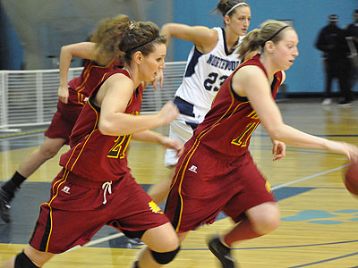 Ferris State's Becci Houdek (right) and Kelsey DeNoyelles (left) race up the floor at Northwood (Photo by Rob Bentley)