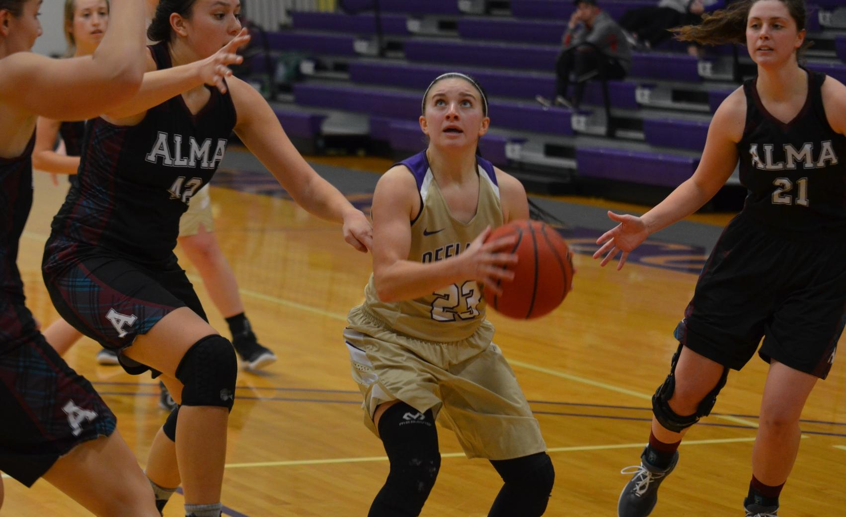 Early Struggles Sink Yellow Jackets