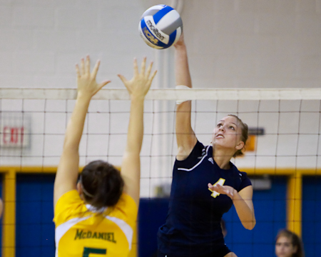 Bison volleyball team sweeps up at Battlefield Classic