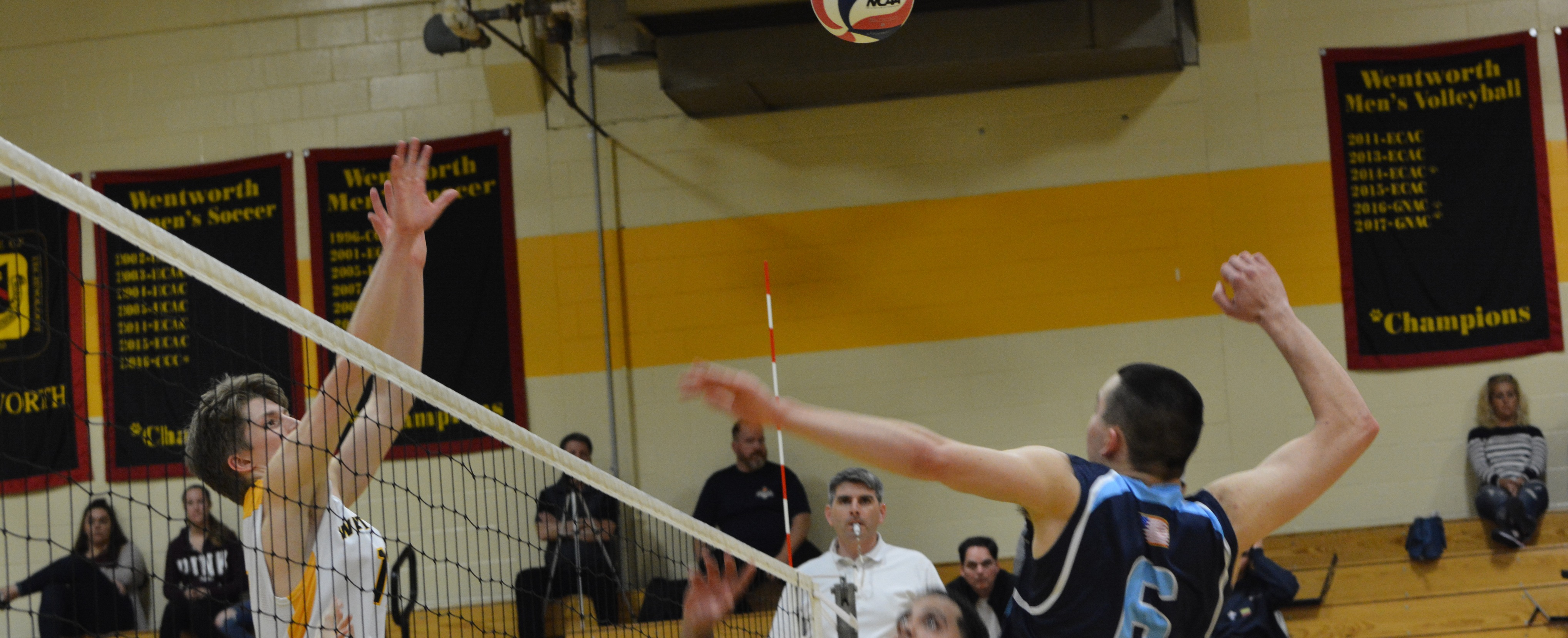 Lasell Men's Volleyball drops match at Wentworth