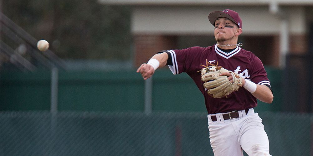 Diamond Gents Drop SCAC Tournament Opener in Extra Innings to Southwestern