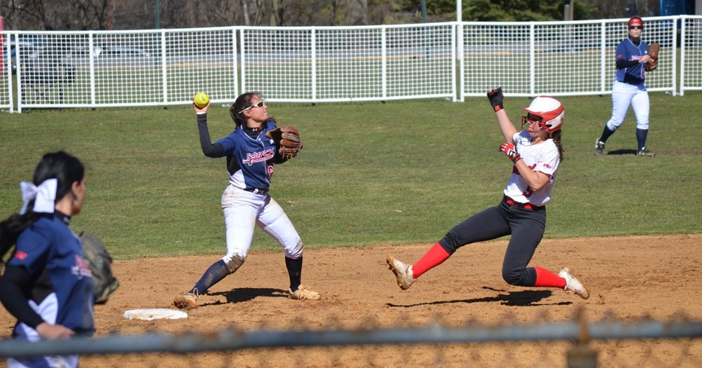 Softball Edged Out by Caldwell Cougars in Doubleheader