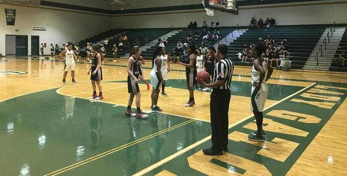 Lady Gators Ease to 16th Straight Victory