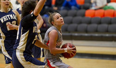 Anderson Pushes #9 Women's Basketball Past Puget Sound With Last Second Heroics
