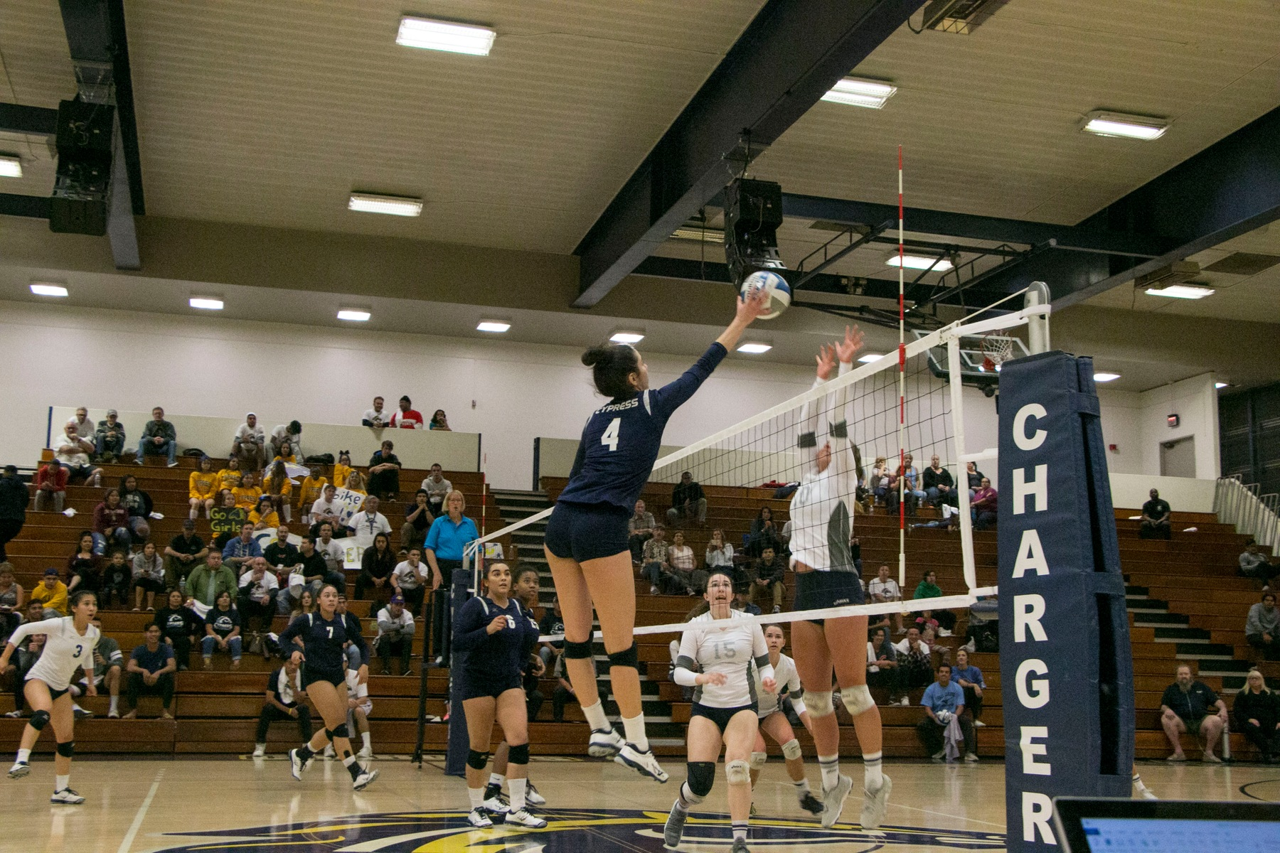 Chargers Top No. 1 IVC in Regular Season Finale; End Lasers' 45-Match Win Streak