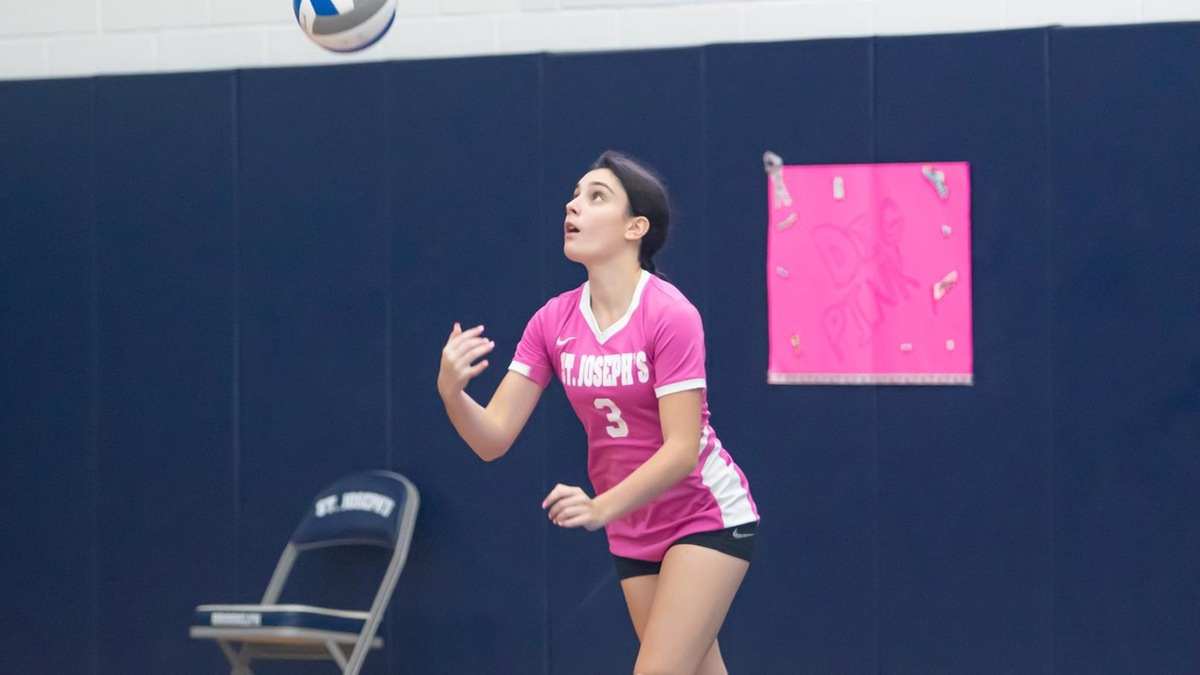 Women's Volleyball Drops High-Scoring Match to Sarah Lawrence