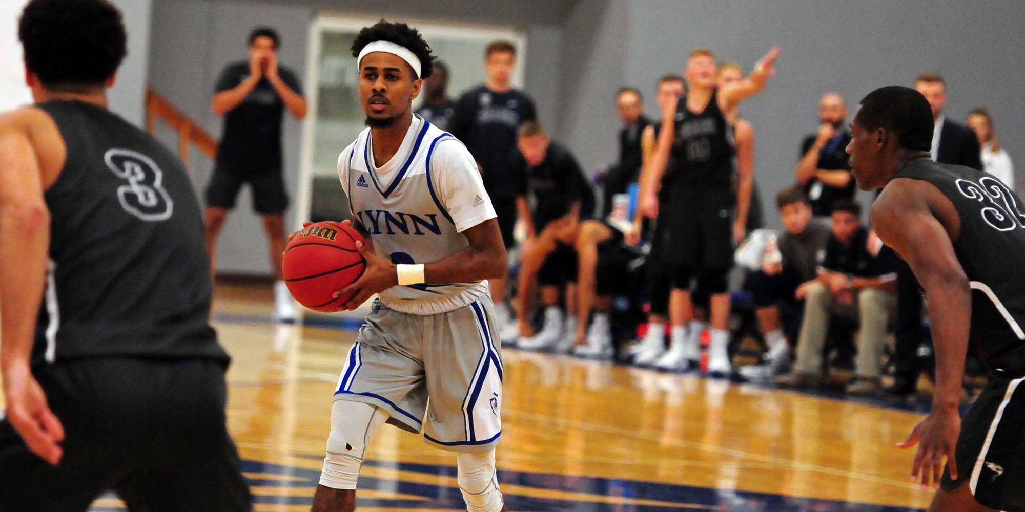 Men's Basketball Fights off Florida Tech for First League Victory
