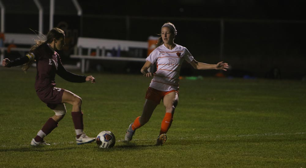Women's soccer cruises to 7-0 win at Blackburn