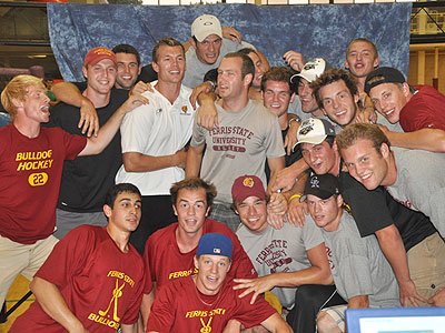 "Members of the FSU Hockey team gather for a group photo during the ""Rockin' In The Rec"" event (Photo by Rob Bentley)"