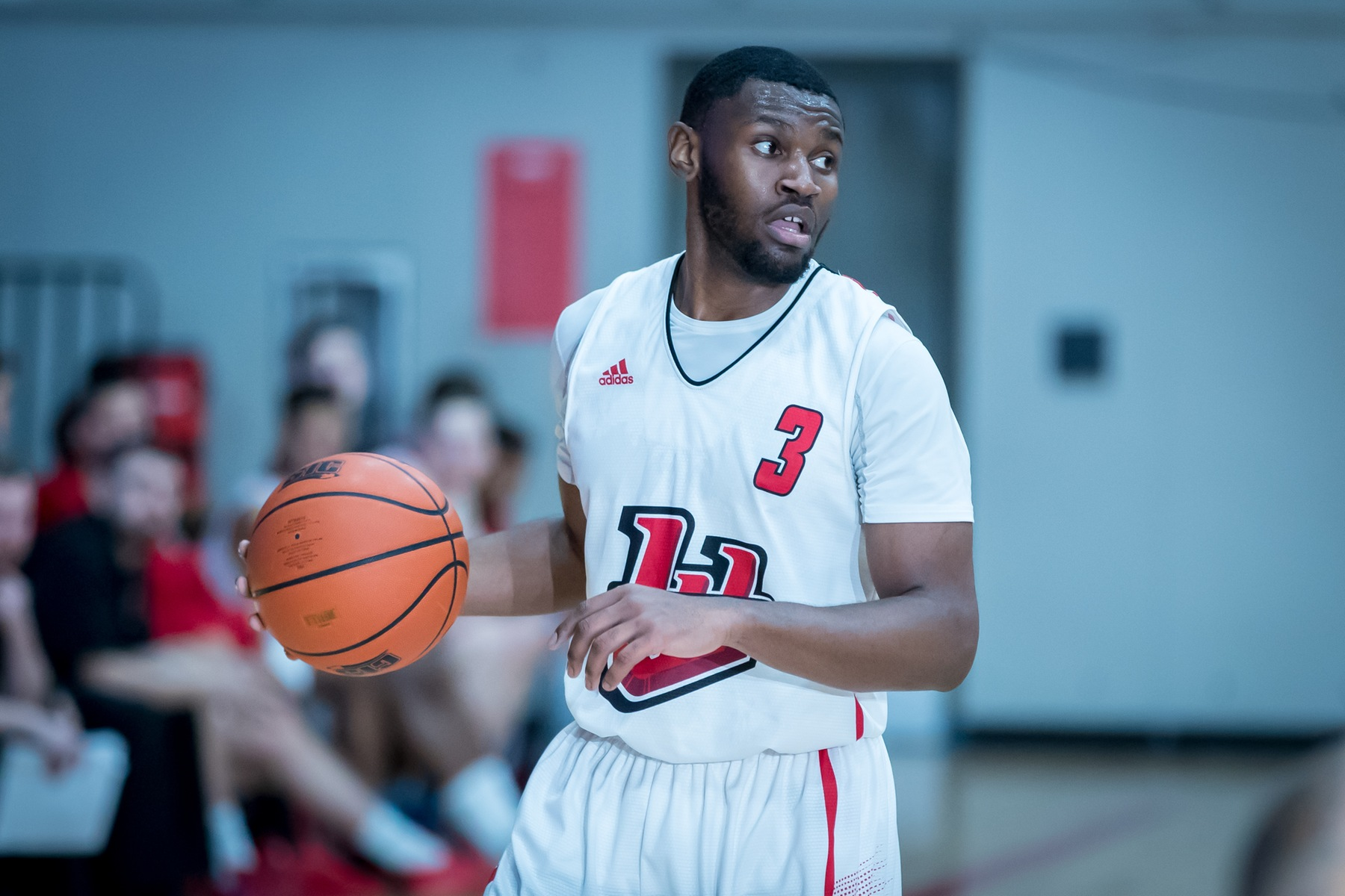 Narcisse Ambanza had 25 points Friday in a loss to the Lethbridge Pronghorns. (Kelly Morton/Wesmen Athletics file)