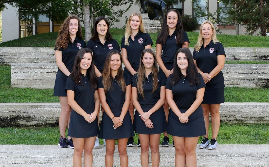 The 2018-19 women's golf team.