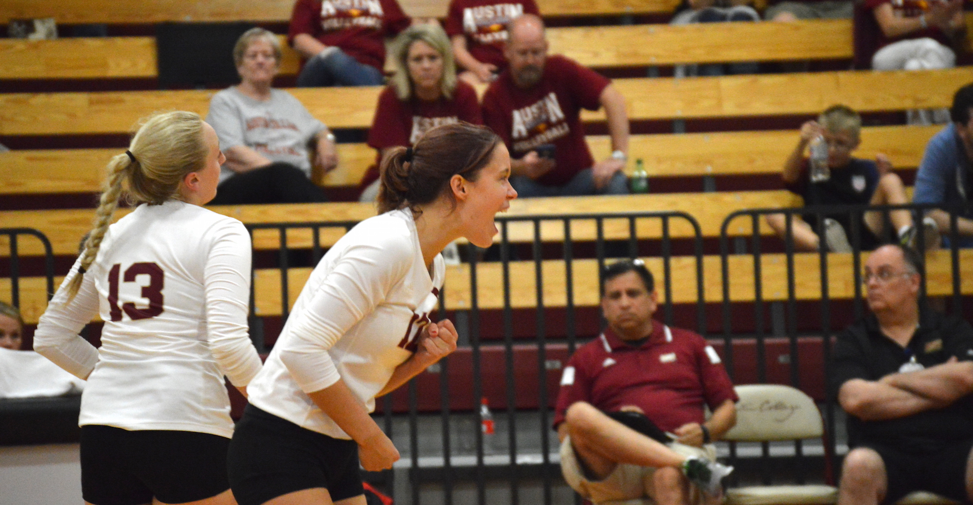 'Roo Volleyball Falls to UTT, Tops LeTourneau