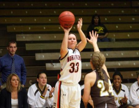 Dumbaugh and Mengos lead No. 20 Women's Basketball to 64-42 victory over Baldwin Wallace