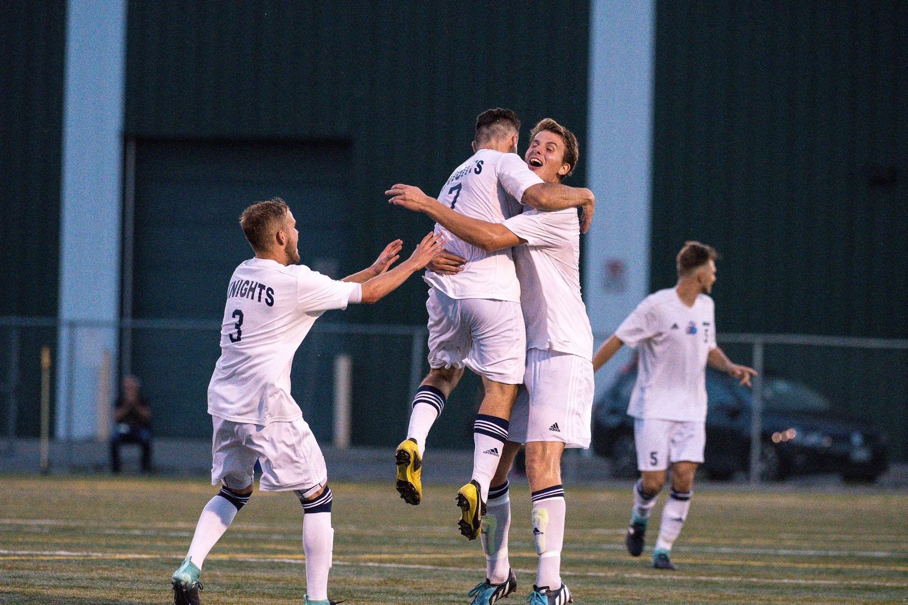 RECAP: Men's Soccer dominant in victory over No.5 ranked St. Clair
