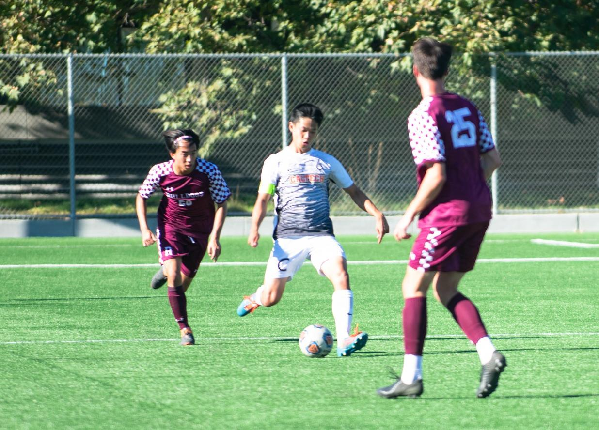 Men's Soccer Posts Encouraging First Half at Whittier