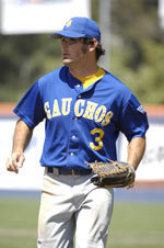 Gauchos Rally in the Ninth to Defeat UC Davis, 3-2