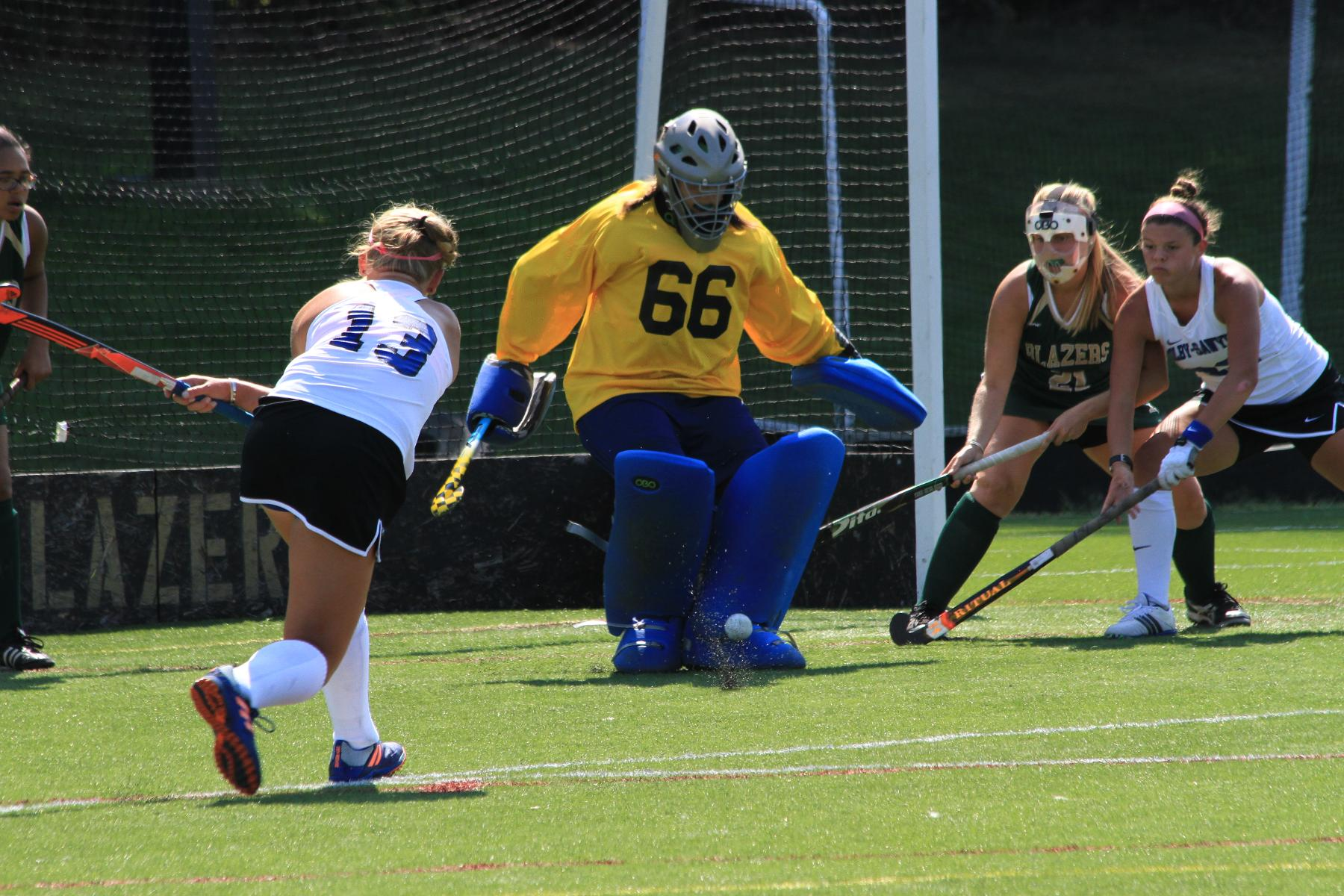 Second Half Sinks Field Hockey At WPI