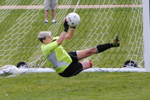 Women's Soccer Knocked Out in Penalty Kicks vs. Elms
