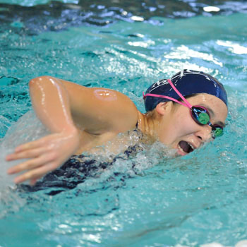 Swimming & Diving Rolls Past Westfield State