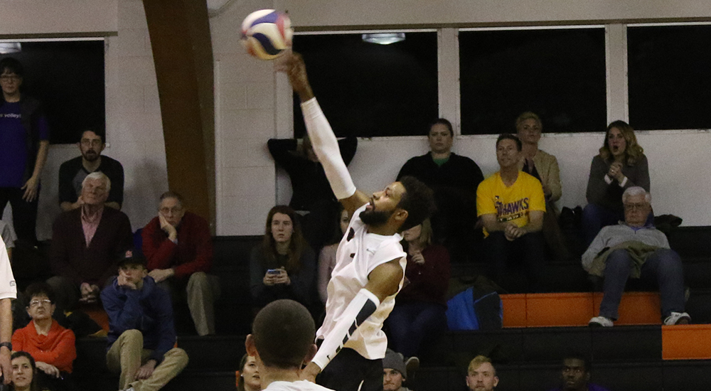 Men's volleyball knocked off by Loras