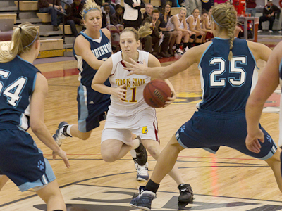 Senior Becci Houdek and the Bulldogs fell to LSSU