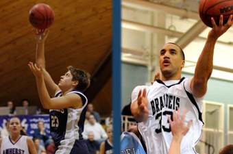 Honors continue to roll in for Chapin, Hollins
