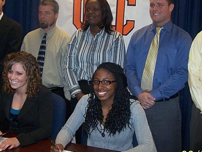 Aerial Clark pictured signing her National Letter of Intent