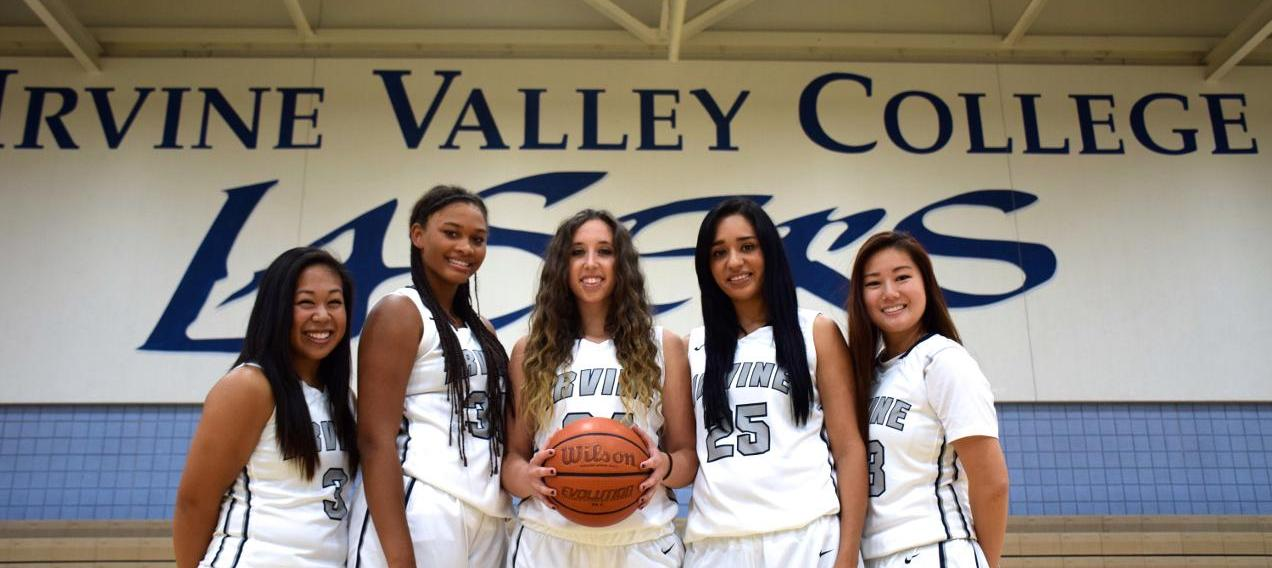 Women's basketball team has no probem against San Diego Mesa