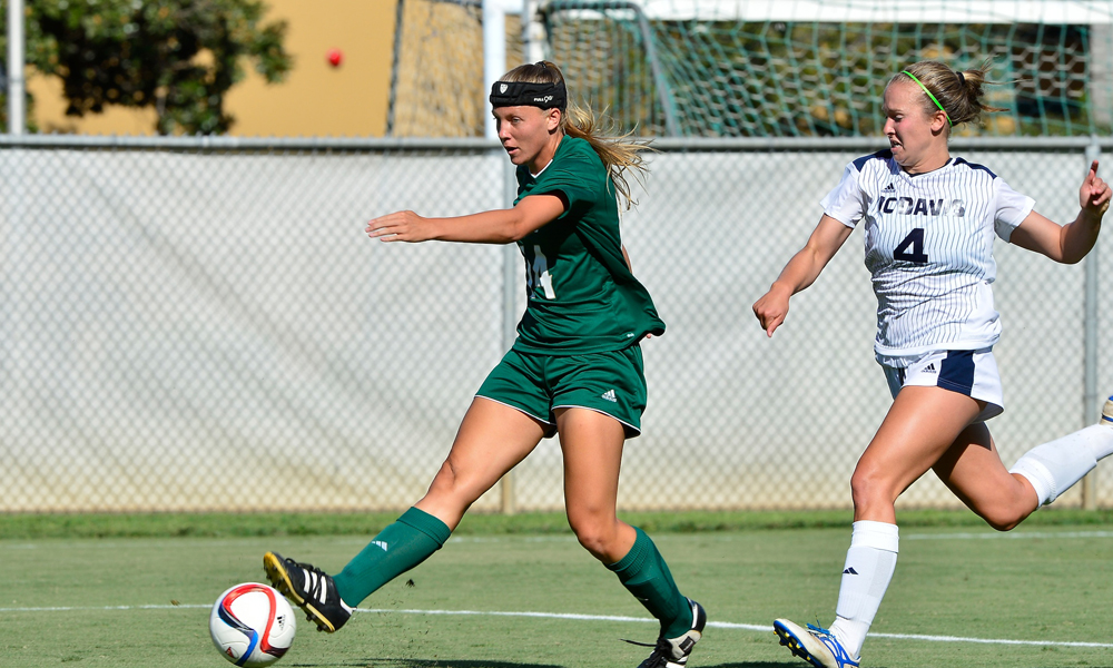 WOMEN'S SOCCER PLAYS TO SCORELESS DRAW VS. RIVAL UC DAVIS