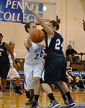 Women's Basketball: Team Effort Lifts Wildcats Over PSU Hazleton 69-61