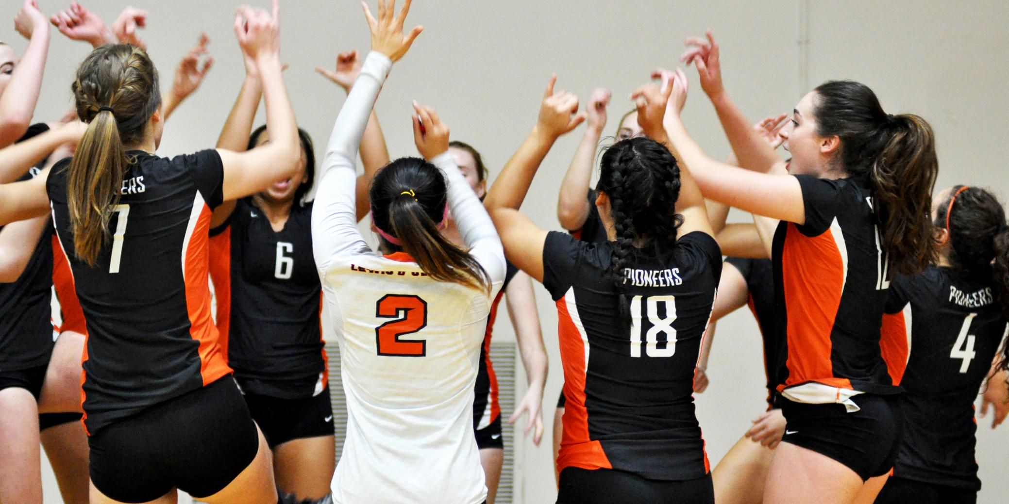 Lewis & Clark doesn't close first-set lead in a home loss to NWC leader Whitworth