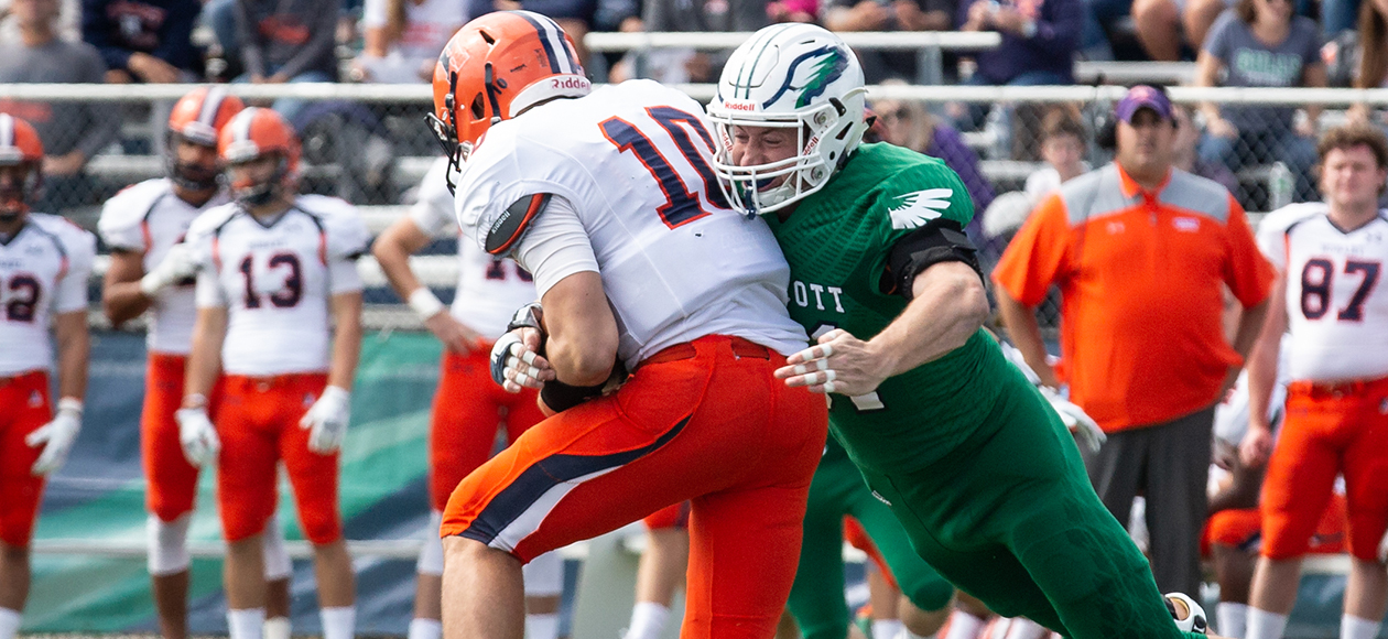 Connor Schinderman tackles the quarterback.