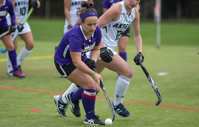 Field Hockey Concludes Season with Setback to No. 9 Stonehill