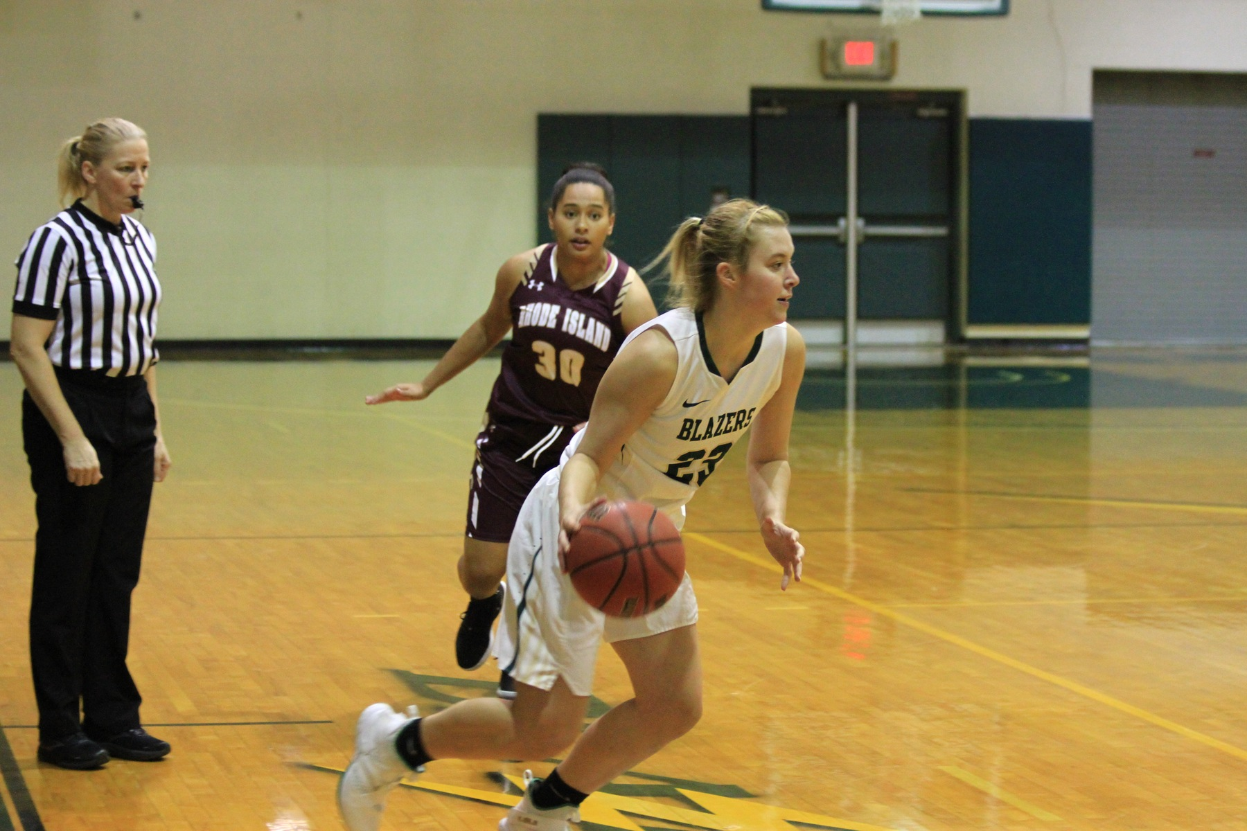 Women's Basketball Can't Dig Out Of Early Hole At ENC